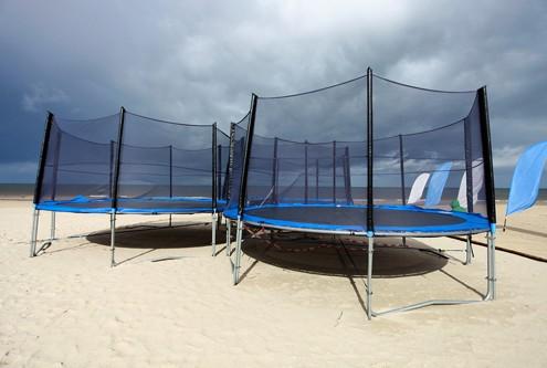 beach-trampolines-bsp-29626037-500x333